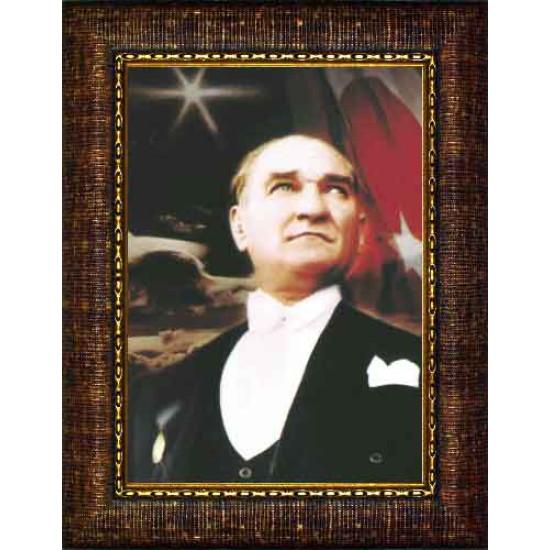 Çerçeveli Göğe Bakan Papyonlu Atatürk Resmi Bayraklı Renkli Atatürk Portresi Atacrap07d