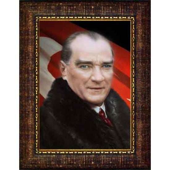 Çerçeveli Kürklü Atatürk Resmi Bayraklı Renkli Atatürk Portresi Atacrap21d
