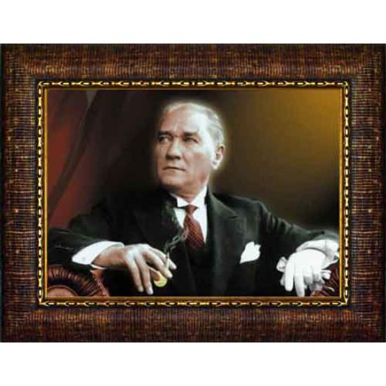 Çerçeveli Atatürk Resmi Bayraklı Renkli Atatürk Portresi Atacrap24y
