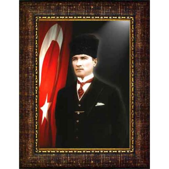 Çerçeveli Sivil Kalpaklı Atatürk Resmi Bayraklı Renkli Atatürk Portresi Atacrap33d