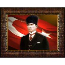 Çerçeveli Sivil Kalpaklı Atatürk Resmi Bayraklı Renkli Atatürk Portresi Atacrap34y