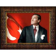 Çerçeveli Göğe Bakan Kravatlı Atatürk Resmi Bayraklı Renkli Atatürk Portresi Atacrap36y