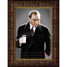 Çerçeveli Rakı Diye İftira Atılan Ayran İçen Atatürk Resmi Renkli Atatürk Portresi Atacrap43d