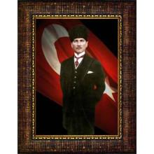 Çerçeveli Sivil Kalpaklı Atatürk Resmi Bayraklı Renkli Atatürk Portresi Atacrap57d