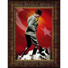 Çerçeveli Kocatepe Sırtlarında Gezinirken Düşünen Atatürk Resmi Boydan Bayraklı Renkli Atatürk Portresi Atacrap85d