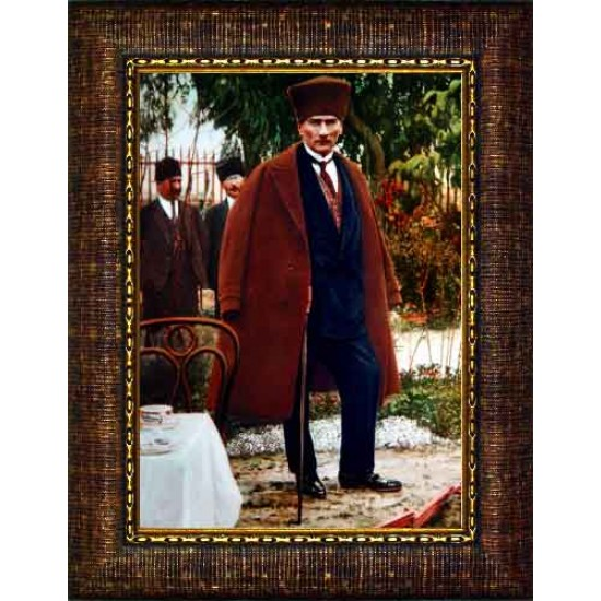 Çerçeveli Paltolu Sivil Kalpaklı Ayakta Atatürk Resmi Boydan Renkli Atatürk Portresi Atacrap87d