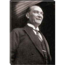 Kanvas Gülen Atatürk Tablosu Siyah-Beyaz Atatürk Portresi Atatrap45d