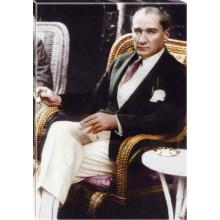 Kanvas Sandalyede Otururken Kahve İçen Atatürk Tablosu Renkli Atatürk Portresi Atatrap54d