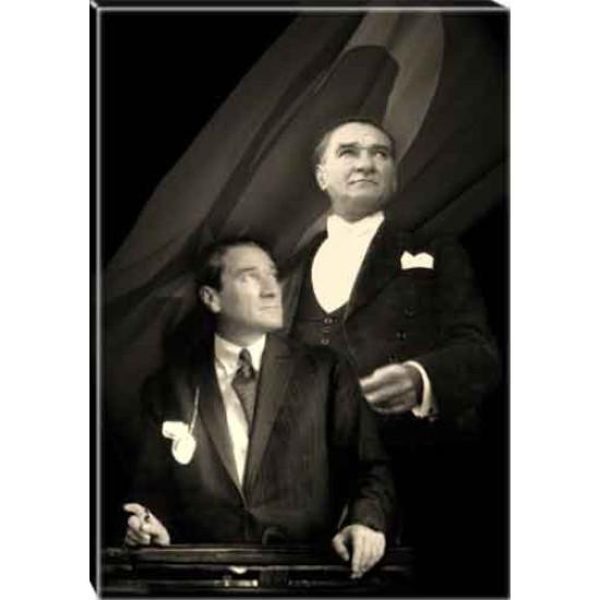 Kanvas Yanyana İki Atatürk Tablosu Bayraklı Siyah-Beyaz Atatürk Portresi Atatrap69d