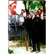 Kanvas Alfabe Öğreten Başöğretmen Eğitimci Ayakta Atatürk Tablosu Boydan Renkli Atatürk Portresi Atatrap73d