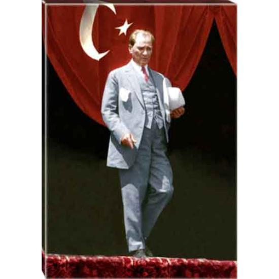 Kanvas Ayakta Atatürk Tablosu Boydan Bayraklı Renkli Atatürk Portresi Atatrap84d