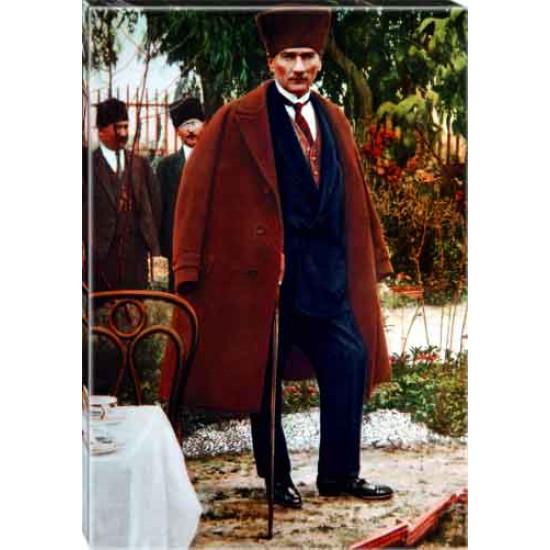 Kanvas Paltolu Sivil Kalpaklı Ayakta Atatürk Tablosu Boydan Renkli Atatürk Portresi Atatrap87d