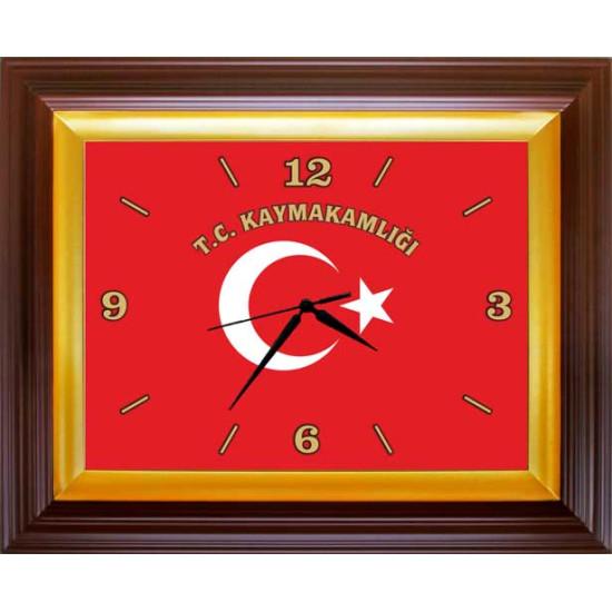 Dikdörtgen Duvar Saati Türk Bayrağı Resimli ve T.C. KAYMAKAMLIĞI Yazılı Saat 46x37cm Rskdsd02kyy